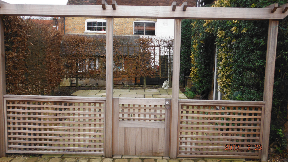 Arbours and Pergolas - Bucks | Berks | Oxford